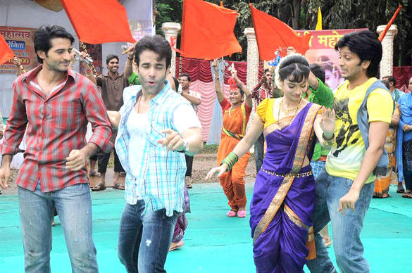Ankita and Hiten Dancing With Tusshar and Riteish at The Promotional Event Of KSKHH On Sets Of Pavitra Rishta
