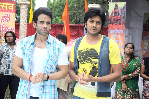 Tusshar and Riteish Promote KSKHH On The Sets Of Pavitra Rishta