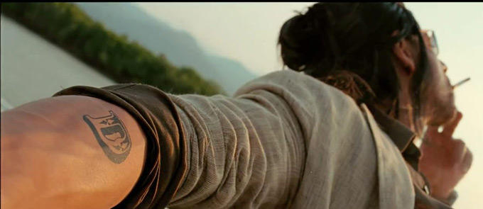 SRK Smoking So Many Cigarettes On Screen As Well Both Don and Don 2