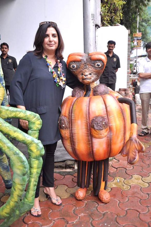 Farah Khan Promote Joker With Aliens in Mumbai
