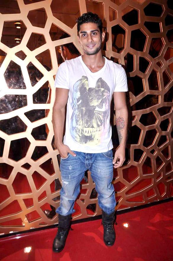 Prateik Babbar  Poses During The Launch of Ave 29