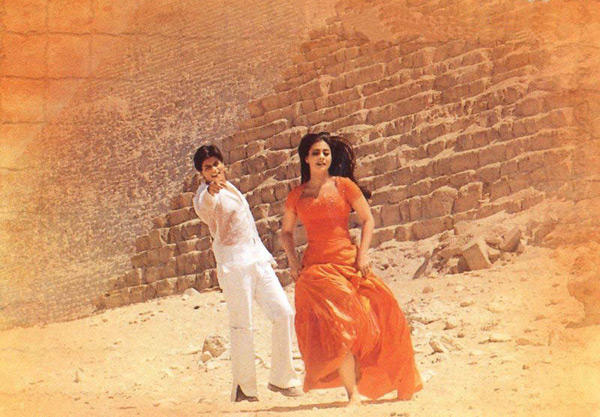 Suraj Hua Maddham From KKKG Worked As Much For SRK-Kajol's Sizzling Chemistry As For Sonu's Soulful Rendition
