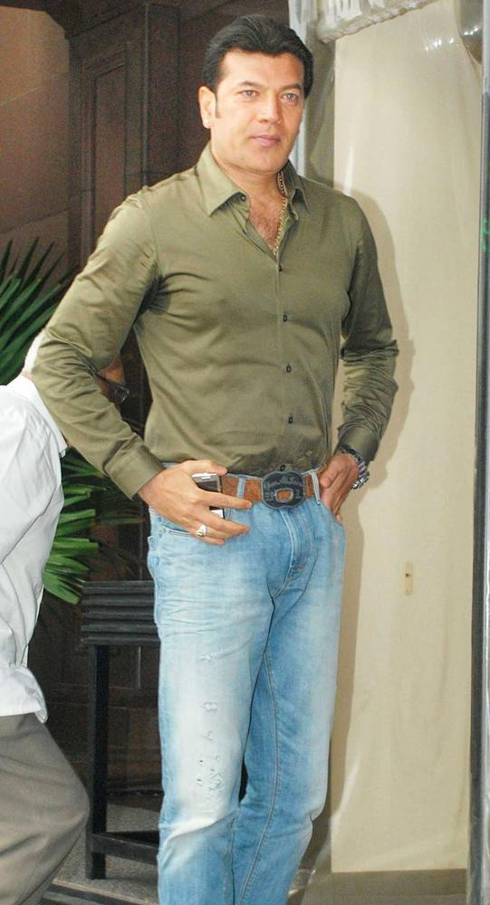 Aditya Pancholi at Baba Siddiquis Annual Iftar Party
