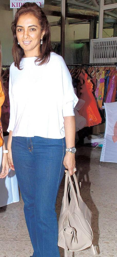 Lata Patel At A Ladies Shopping Mall