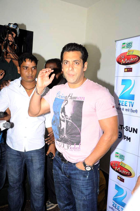 Salman khan on The Sets of DID L'il Masters For Promotion Ek Tha Tiger