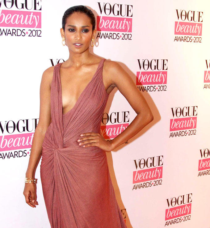 Gorgeous Beauty Snapped at Vogue Beauty Awards 2012