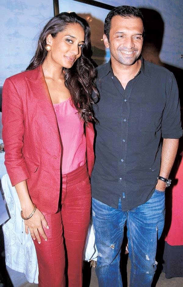 Lisa Haydon with Atul Kasbekar at Narendra Kumar Store For Elle August Magazine Launch
