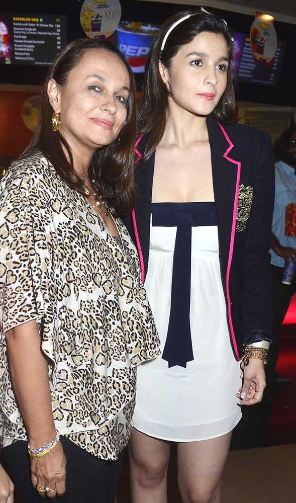 Soni Razdan with Alia Bhatt At Student Of The Year Movie Trailer Launch Event