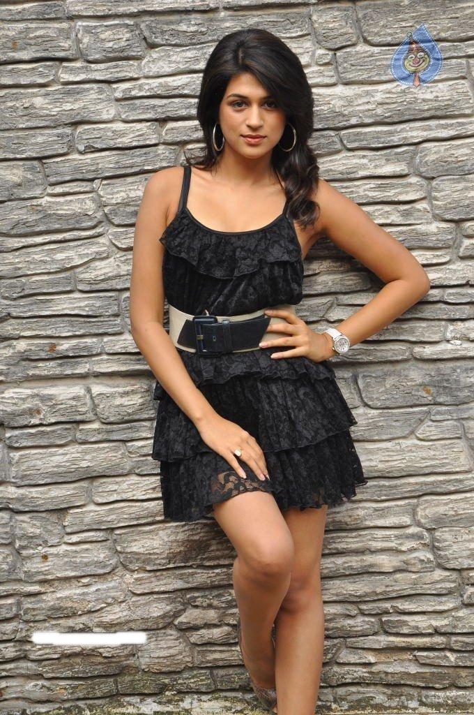 Sexy Shraddha Das In Black Short Dress Hot Still