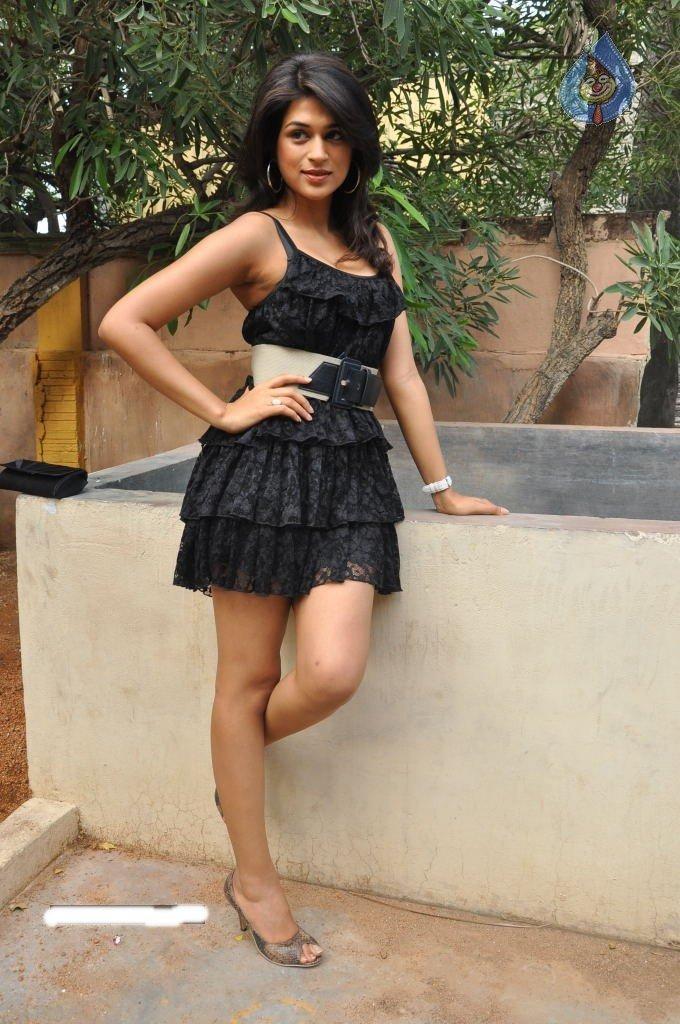 Shraddha Das Sexy Pose For Photo Shoot