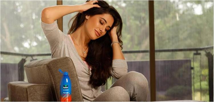 Nargis Fakhri Parachute Advansed Ad Still