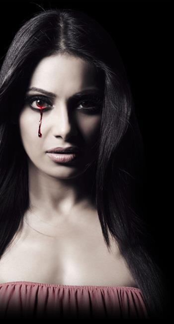 Bipasha Basu Hot Look With Blood Tears In Raaz 3