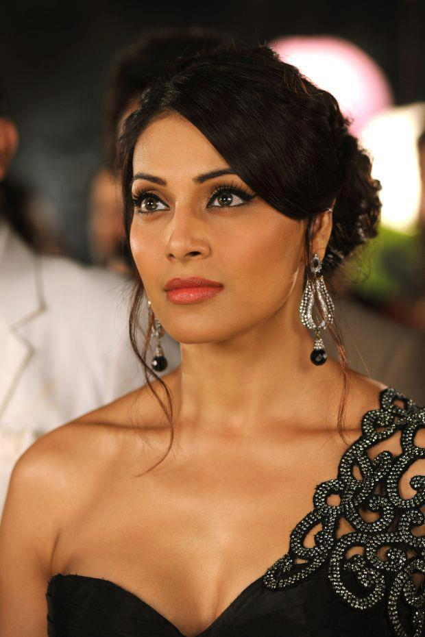 Bipasha Basu Looking Beautiful In Raaz 3