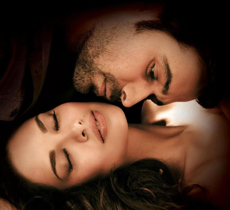 Emraan and Esha Spicy Pic In Raaz 3