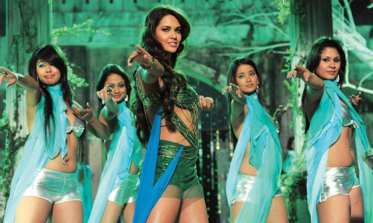 Esha Gupta Dance Still In Raaz 3