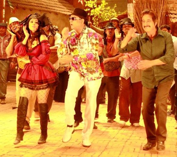 Anjana and Paresh Rawal Dance Pic In Kamaal Dhamaal Malamaal Movie