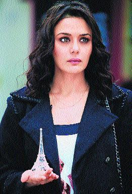 Preity Zinta Looks Stunningly Hot in Ishkq In Paris Movie