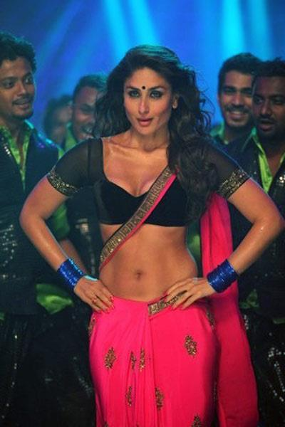 Kareena Look Sizzled in Her Bright Pink Saree and Dark Blue Blouse