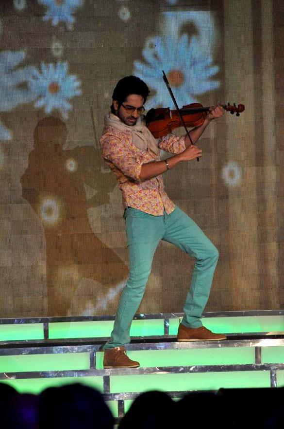 Ayushman Khurana Performs On Stage