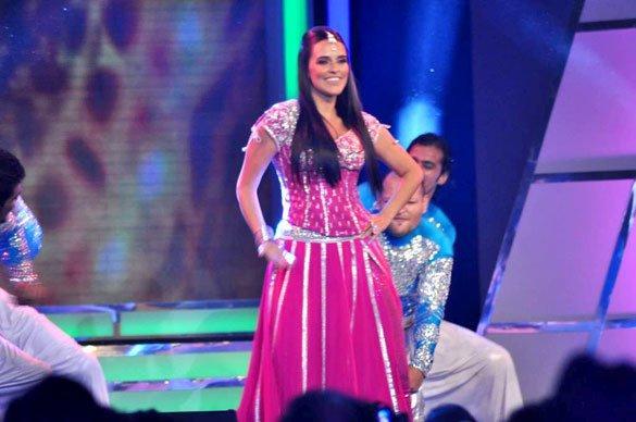 Hot Neha Dhupia Performs at Credai's Real Estate Awards