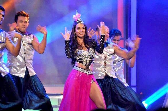 Malaika Arora Dancing at Credai's Real Estate Awards