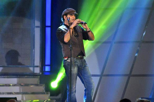Mohit Chauhan Performs at Credai's Real Estate Awards
