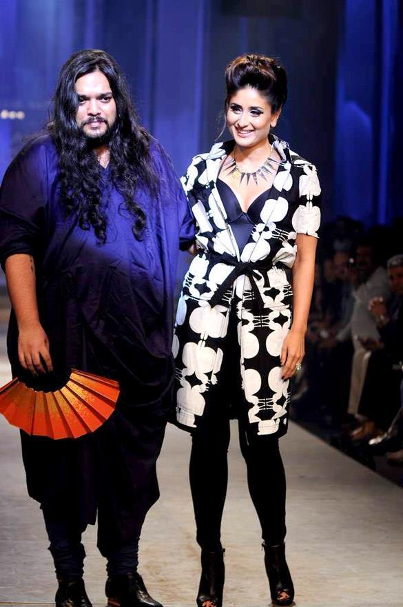 Kareena at Lakme Fashion Week Fashion Week