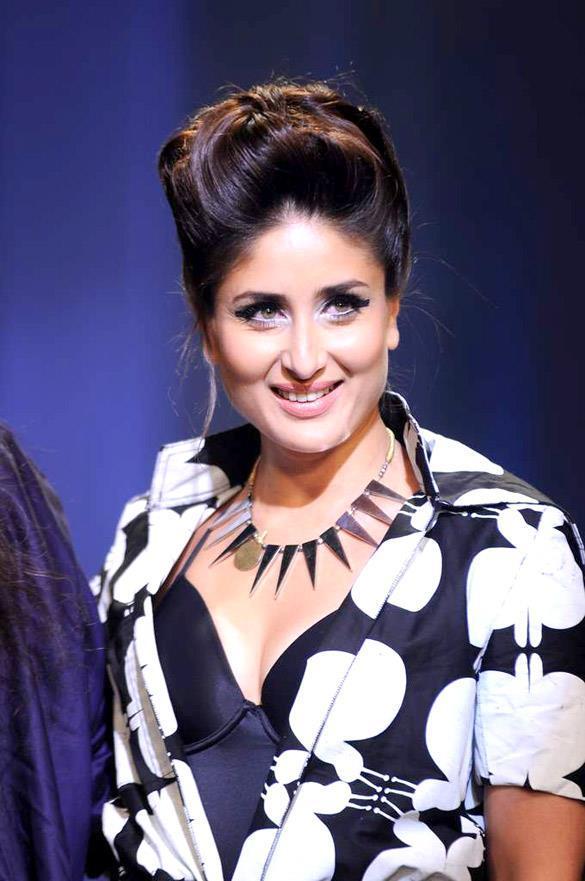 Kareena Sweet Gorgeous Pic at Lakme Absolute Fashion Week