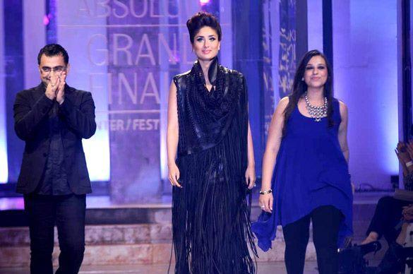 Kareena Walks The Ramp at Lakme Fashion Week