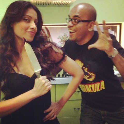 Bipasha Basu On The Sets of Aatma With Director Suparn Verma
