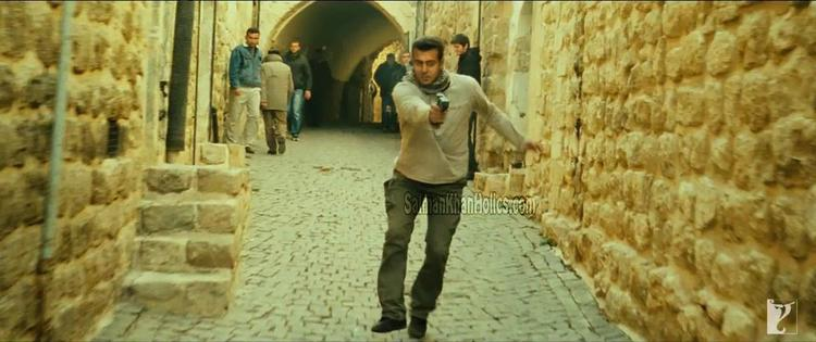 Salman Khan's Heavy-Duty Action in Ek Tha Tiger