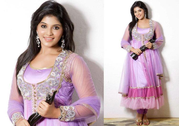 Anjali Sweet Cute Pose With Award