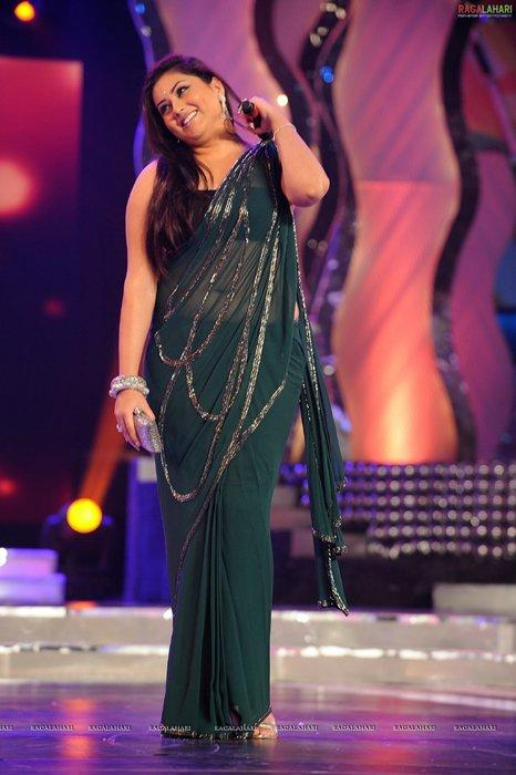South Bomshell Namitha Kapoor at Maa Tv Awards In Green Saree