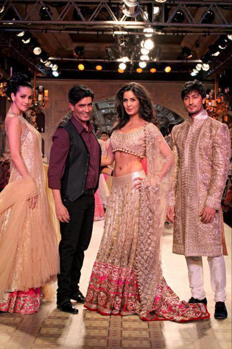 Katrina Walks The Ramp For Manish Malhotra's Bridal Look