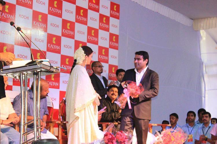 Aishwarya at The Launch of Kalyan Jewellers Showroom In Kochi