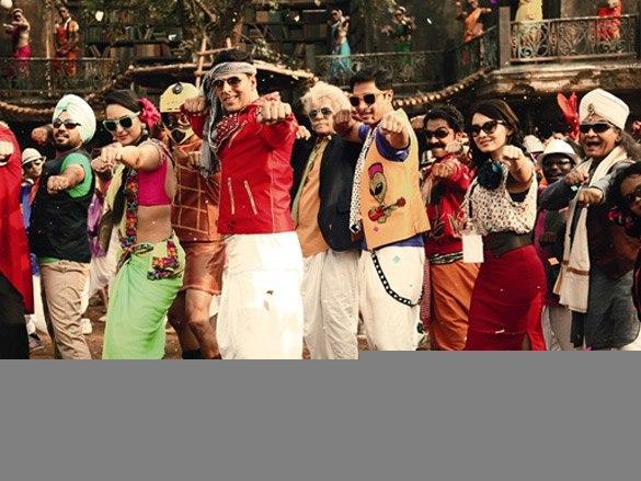 Akshay and Sonakshi Sinha in Sing Raja Song of Joker Movie