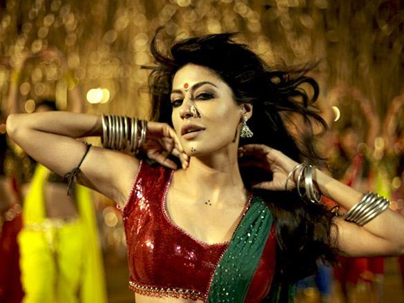 Chitrangda Singh in Kaafirana Item Song in Joker Movie