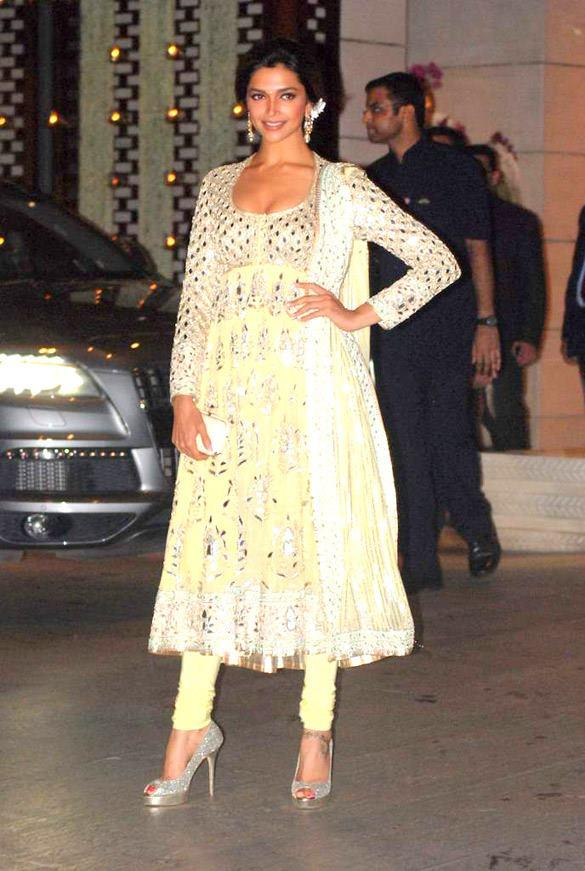 Deepika Pose During Nita and Mukesh Ambani Party