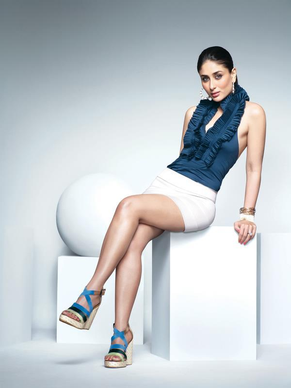 Kareena Kapoor Hot Pose For Metro Shoes