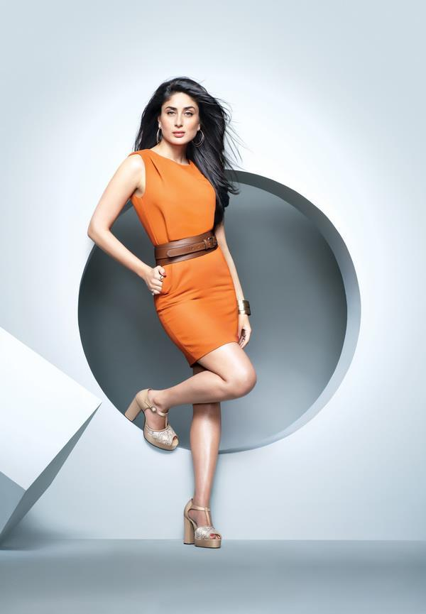 Kareena Kapoor Sizzling Sexy Pose For Metro Shoes