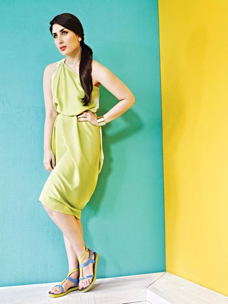 Latest Photos of Kareena Kapoor For Metro Shoes