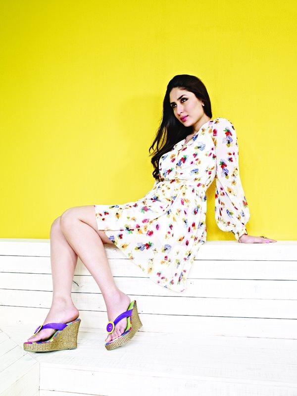 Style Icon Kareena Kapoor Pose For Metro Shoes