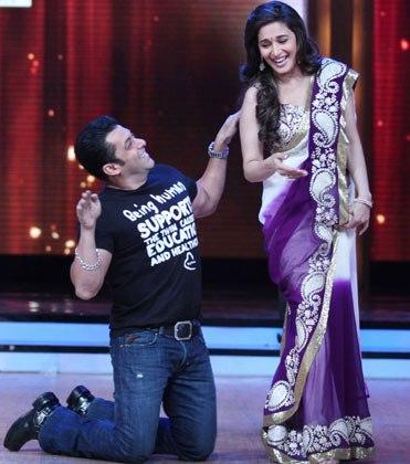 Salman Performed with Madhuri On Jhalak Dikhhla Jaa 5