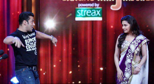 Salman and Madhuri Perform Didi Tera Dewar Diwana on Jhalak Dikhhla Jaa 5