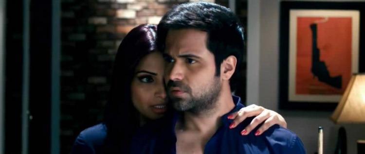 Emraan and Bipasha Hot Scene From Movie Raaz 3