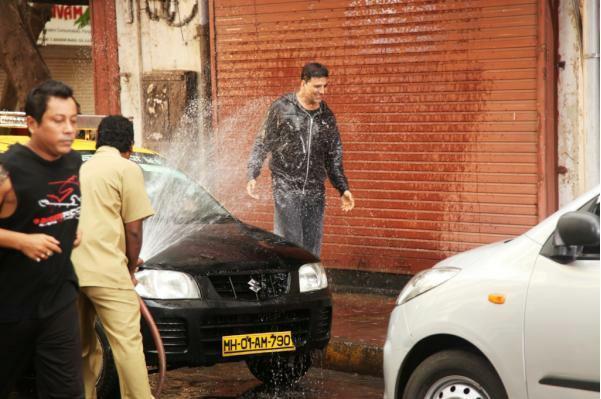 Akshay Kumar at Oh My God Shooting Set