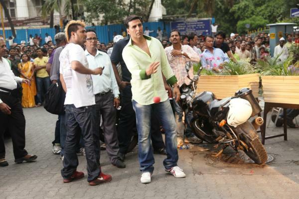 Akshay Kumar OMG Movie Shooting Set