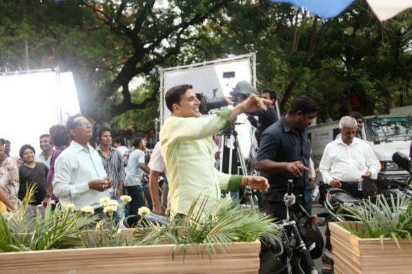 Akshay Kumar On The Sets OMG