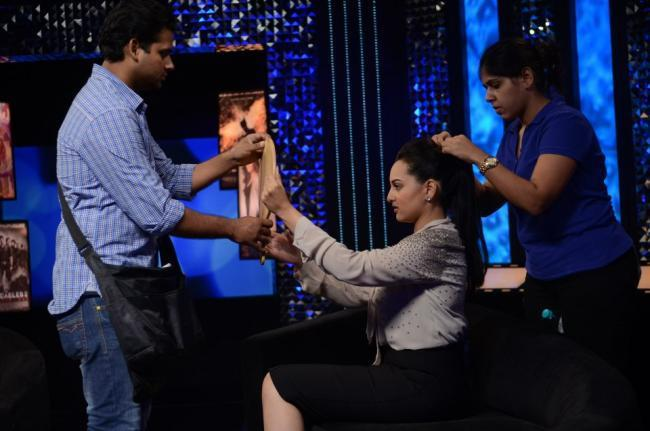 Sonakshi Sinha On Sets Of Front Row