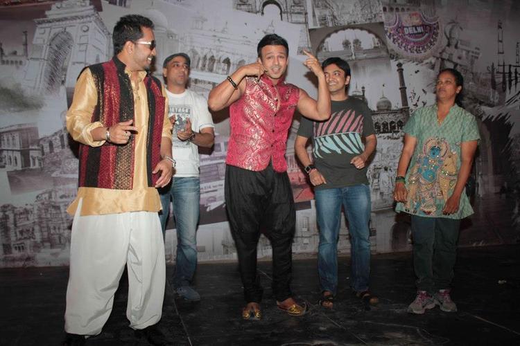 Vivek and Mika On Location Of Kismet Love Paisa Dilli